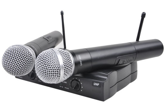China Black Handheld Wireless Microphone Karaoke System 40Hz-18KHz UHF-585 distributor